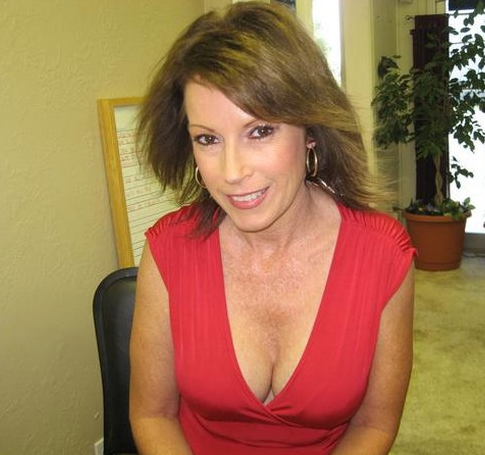 suttsu mature women dating site Want to try senior dating and meet mature men and women who truly suit you  we're one of america's best dating sites for older singles: try us today.