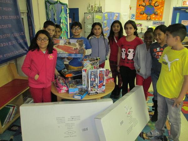 TurboTitleLoan.com Helps Spread Christmas Joy to Children and Teens ...