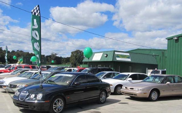 Cash-n-Carry Motors Will Give a 2007 Ford Taurus to One ...