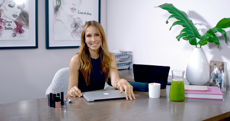 Celebrating Your Nude – Virtual Studio Session with Isabel Madison, CEO & Founder of Nude Envie