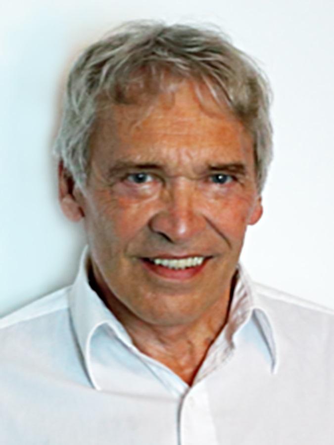 Michael Joerg Von Bose Presented with the Albert Nelson ...