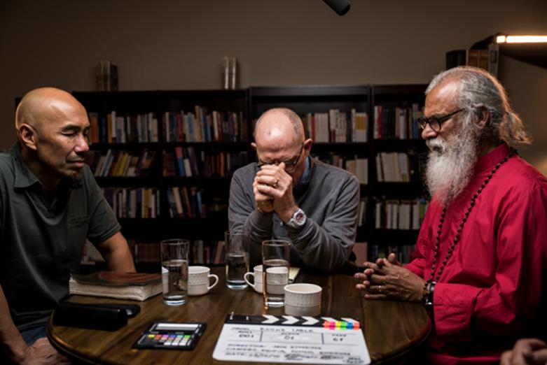 Church Needs 'Love, Not War' Say Francis Chan, K.P. Yohannan, Hank Hanegraaff