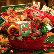 <strong>The Spirited Holiday Basket makes the perfect hostess gift or addition to any Christmas office party! Featured in the Arttowngifts.com Black Friday sale beginning Wednesday, the 21st at 3:30 p.m. EST.</strong>