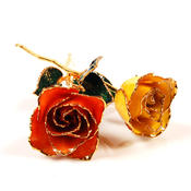 <strong>The all gold roses are made in California with a specific type of rose that is grown in a special part of the state and trimmed in 24k gold</strong>