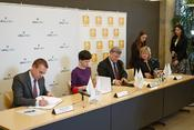 <strong>OJSC URALCHEM, the Ziedot.lv Fund and two secondary schools in Riga have agreed to carry out a joint charity project.</strong>
