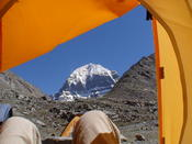 <strong>Wow, it is very interesting to wake up with the fabulous view of the grand snow-capped Mount Kailash in western Tibet.</strong>