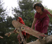 <strong>Girls skateboarding in Kabul</strong>