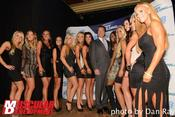 <strong>Arnold Schwarzenegger greeting the girls from Rock Star Bikini</strong>