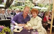 <strong>Alzheimer's Association, Orange County President and CEO Jim McAleer poses with &quot;Happy Days&quot; actress Marion Ross at the 2014 Visionary Women luncheon.</strong>