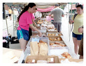 <strong>Delightful Pastries serving up food at Farmers Markets across Chicago.</strong>