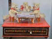 <strong>Three cats playing cards automaton (Photo credit Phil Jennings Ft Worth).</strong>