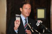 <strong>CT Senator Richard Blumenthal speaks about the importance of the GNHTD Foundation's IT MAKES CENTS campaign.</strong>