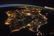 <strong>The Iberian Peninsula at night, showing Spain and Portugal. Madrid is the bright spot just above the center. Image Credit: NASA</strong>