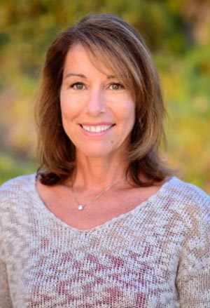 Cindy C Murray, Award Winning Author Of Action Adventure Children's Book Trilogy, Announces 2017 Gold Family Choice Award