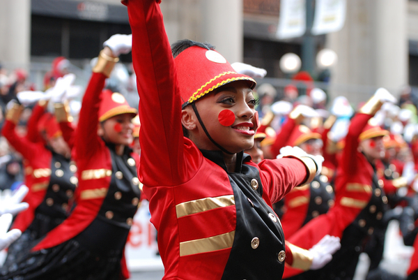 The McDONALD'S THANKSGIVING PARADE Continues Chicago's Annual Holiday Family Tradition