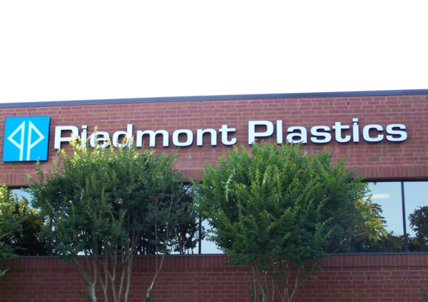 Piedmont Plastics Earns Multiple Awards for Excellence in 2017