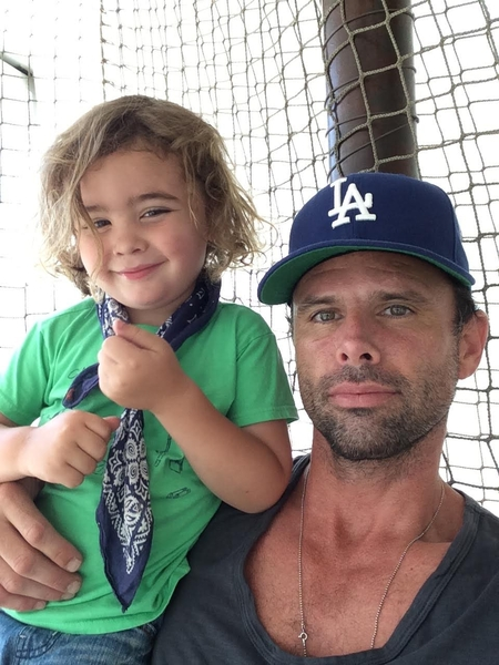 Hollywood Star Walton Goggins Partners with Top Tech CEOs to Launch Villiger to Make Parenting Easier in the Digital Age