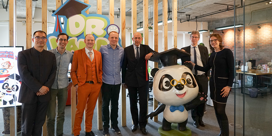 Dutch Ambassador to China Visits Dr. Panda!