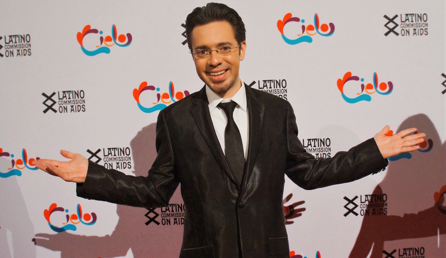 "Puerto Rican Singer Carlos Aponte delighted Gala ""Cielo"" with his Voice!"