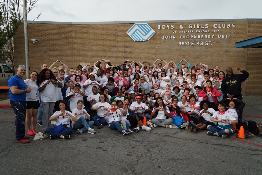 WorldVentures Foundation Presents Its First TechCart to Boys & Girls Clubs
