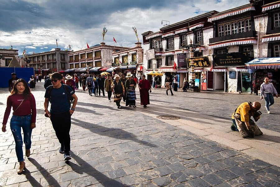 ​The Booming Tibet Tourism