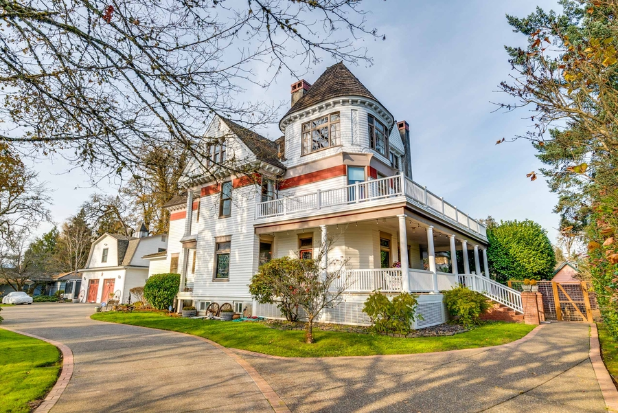 Cascade Sotheby's International Realty Lists Rare Historic Queen Ann Victorian in Pacific Northwest