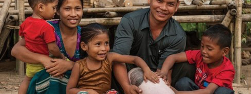 'Forgotten Christmas' Campaign Helps Raise Struggling Families Above Poverty Line in Asia