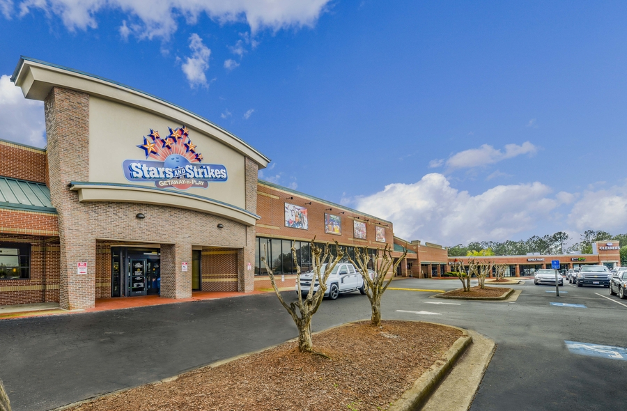 85,526 SF Woodstock Square Sells for $7 Million