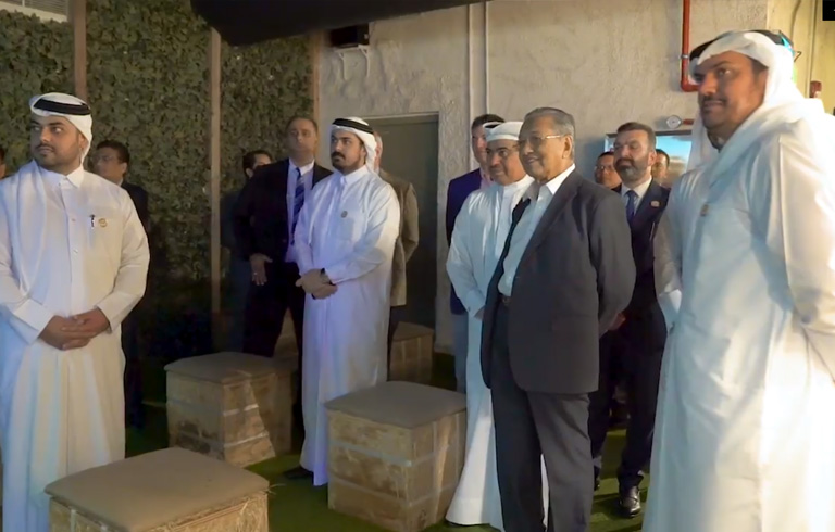 PM Visits Largest Qatari Dairy Farm