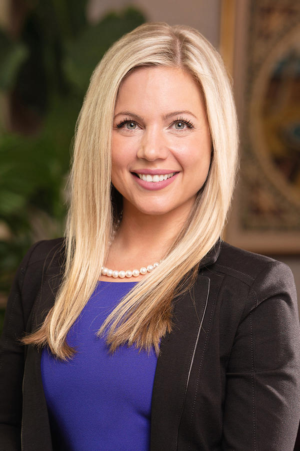 Dr. Teresa Cunningham Earns Board Certification in Plastic Surgery