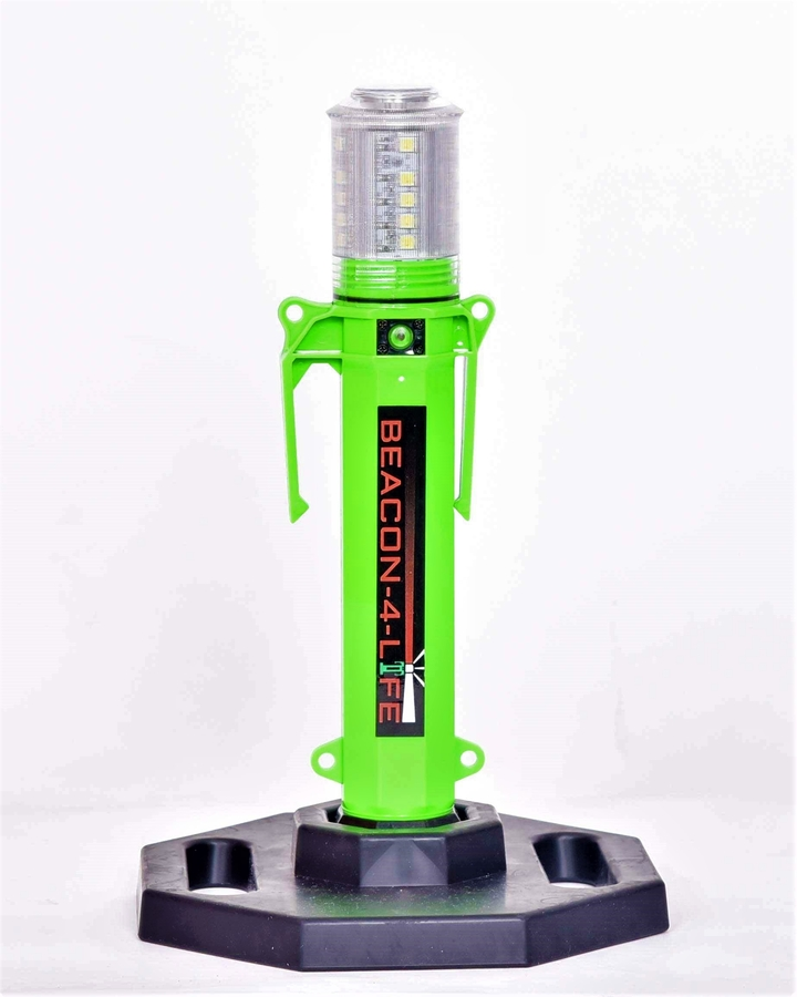 BEACON-4-LIFE: Warning Beacon/Flashlight – Introducing the Safe and Effective Alternative to the Traditional Road Flare