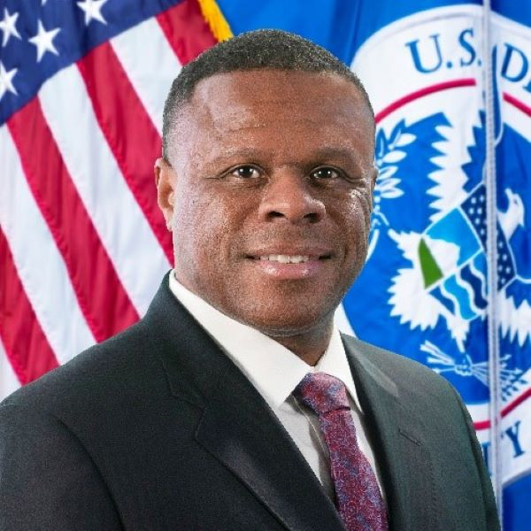 NuWave Solutions announces former DHS official André Hentz as their new Chief Operating Officer