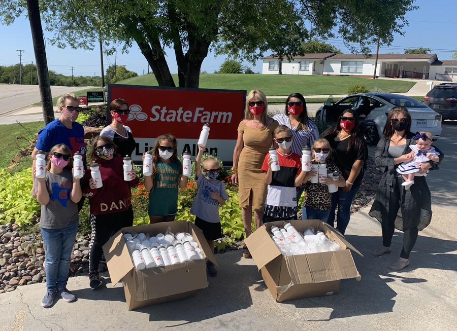 Fort Worth State Farm Agent Linda Allen Donates 200 Water Bottles to Bryson Elementary School Students