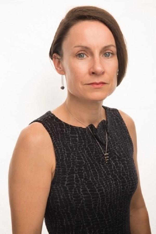 B+E CEO Camille Renshaw receives CREW Network Entrepreneurial Spirit Impact Award