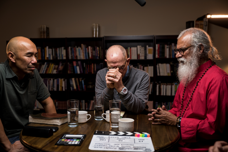 Church Needs 'Love, Not War' Say Francis Chan, K.P. Yohannan, Hank Hanegraaff