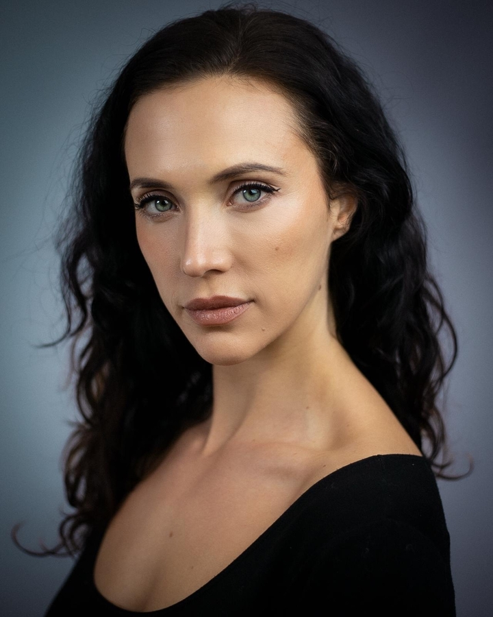 Emerging British Actress Stephanie Tripp Signs Contract of Representation With Global Film Actors Agency
