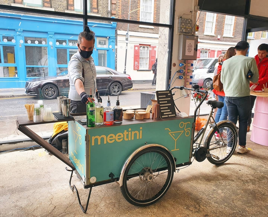 Meet Up For A Martini: Party In The Park With Cocktails On Wheels