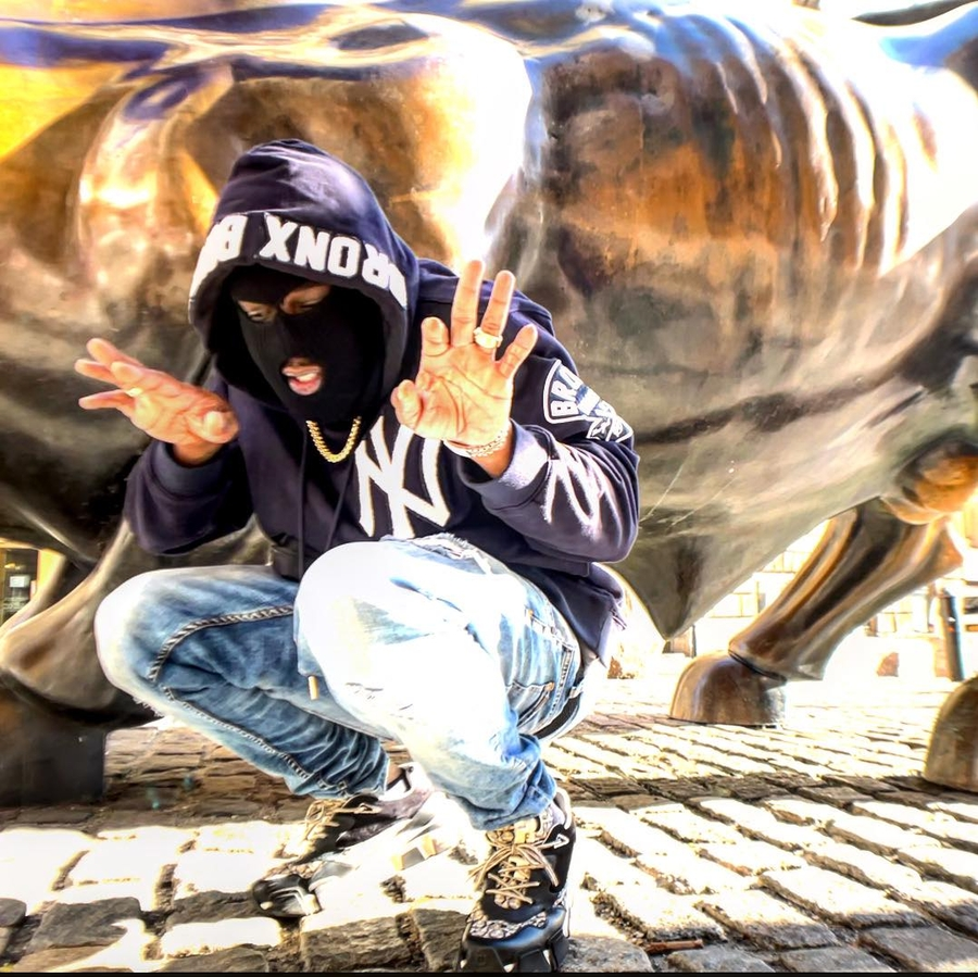 ESCOVAR is the New York Rapper Everybody is Chatting About