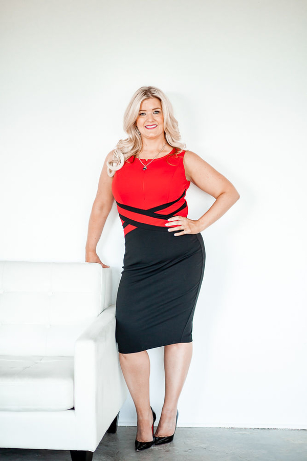 """Mindset Coach Kristin Esparza Announces the Launch of First Episodes of New Podcast, """"So She Did"""" to Discuss Issues that are Important to Women in Business and Life"""