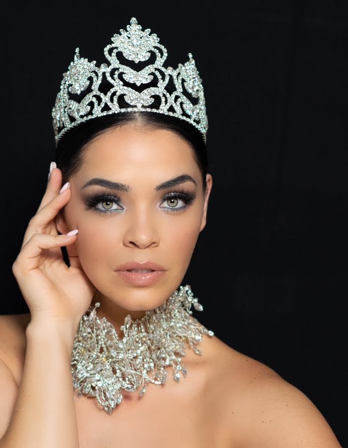 Brooklyn Rivera Crowned Mrs. America 2021