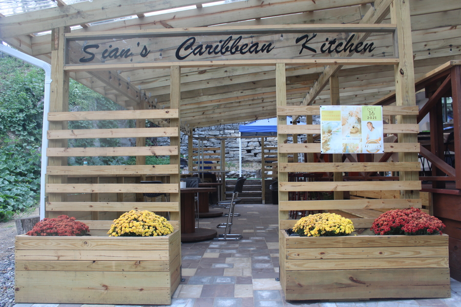 Sian's Caribbean Kitchen Celebrates 1st Anniversary