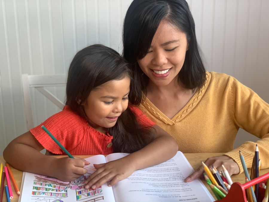 Local Mom Creates Bilingual Books for Families of Children in a Dual Language Program